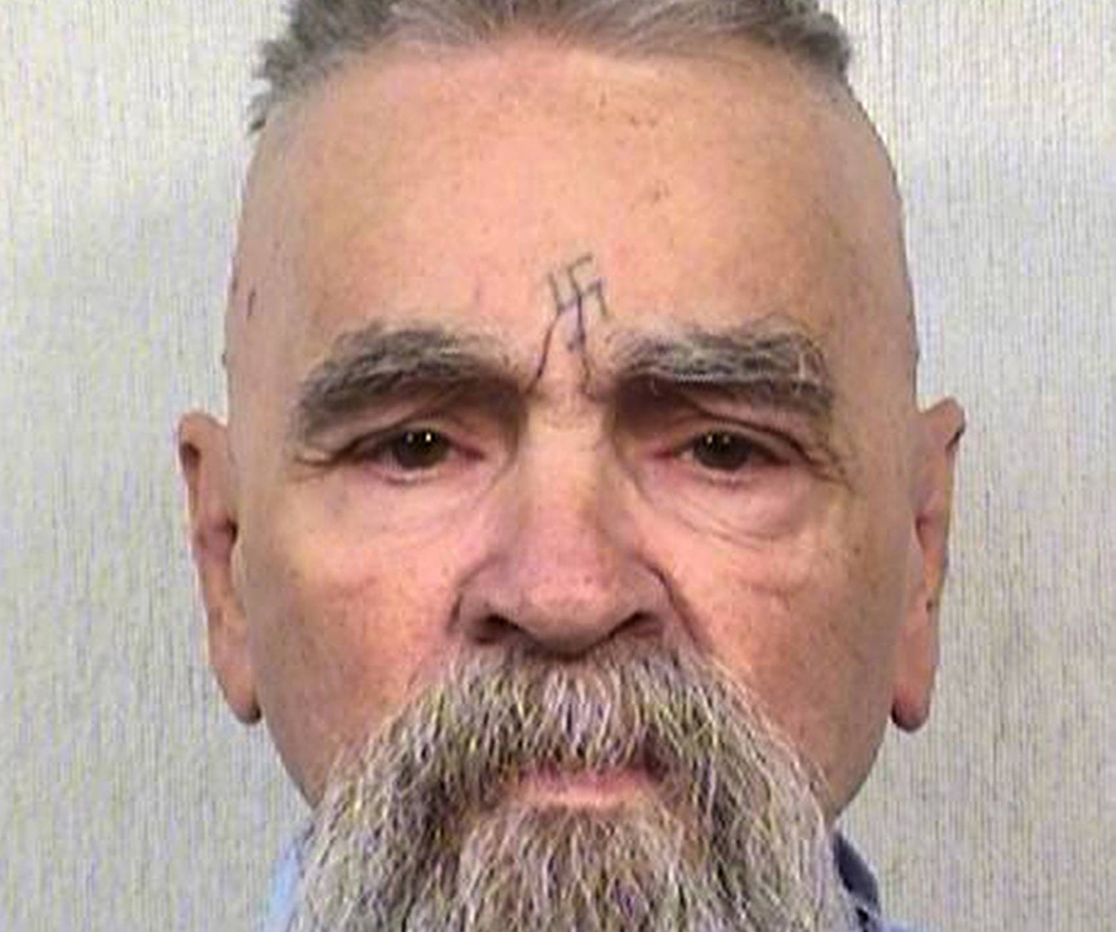 Assassino Charles Manson é internado em estado grave